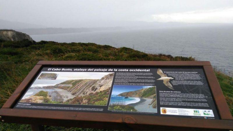 Podemos Asturias se interesará por el espigón de la barra de Navia y la senda Cadavedo-Busto en Valdés