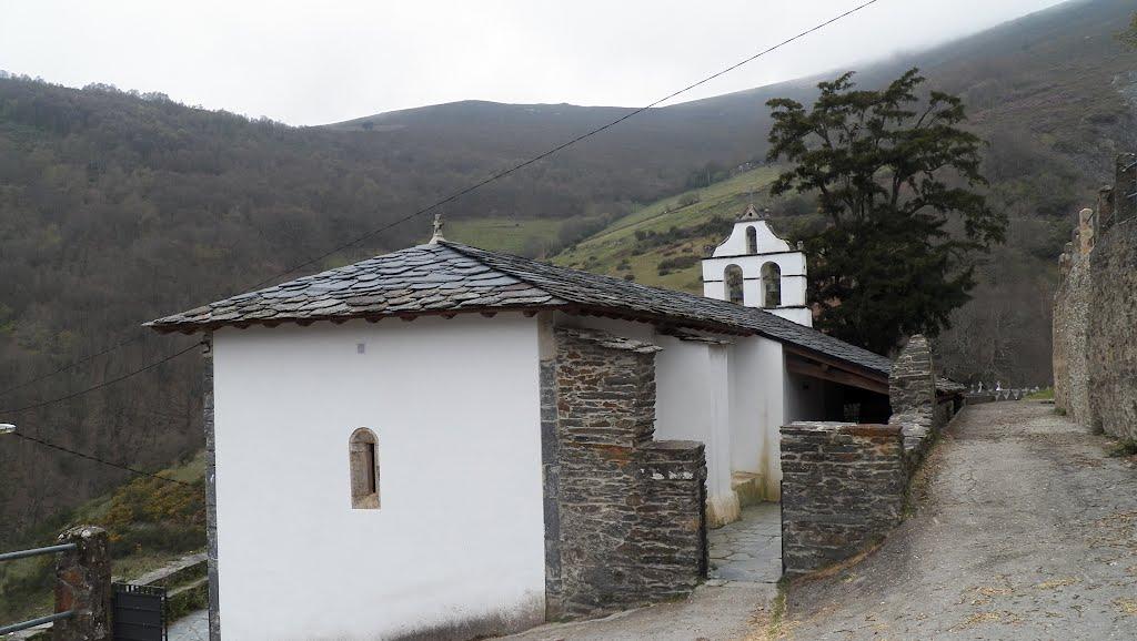 IU pide al ayuntamiento de Illano que ofrezca baños en Pastur para sus fiestas
