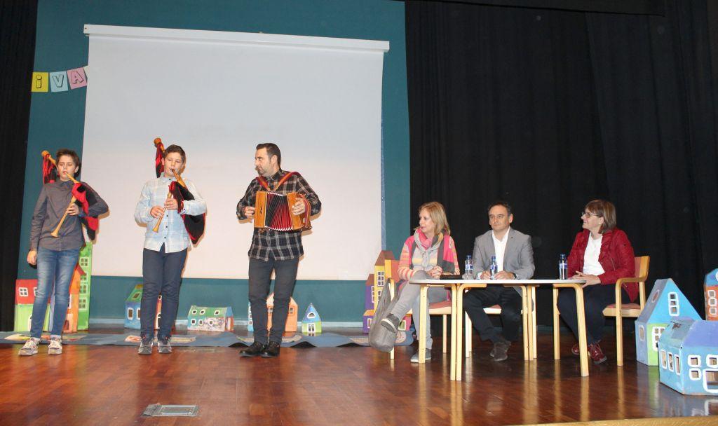 Pilar Varela destaca el compromiso de Asturias con la participación infantil