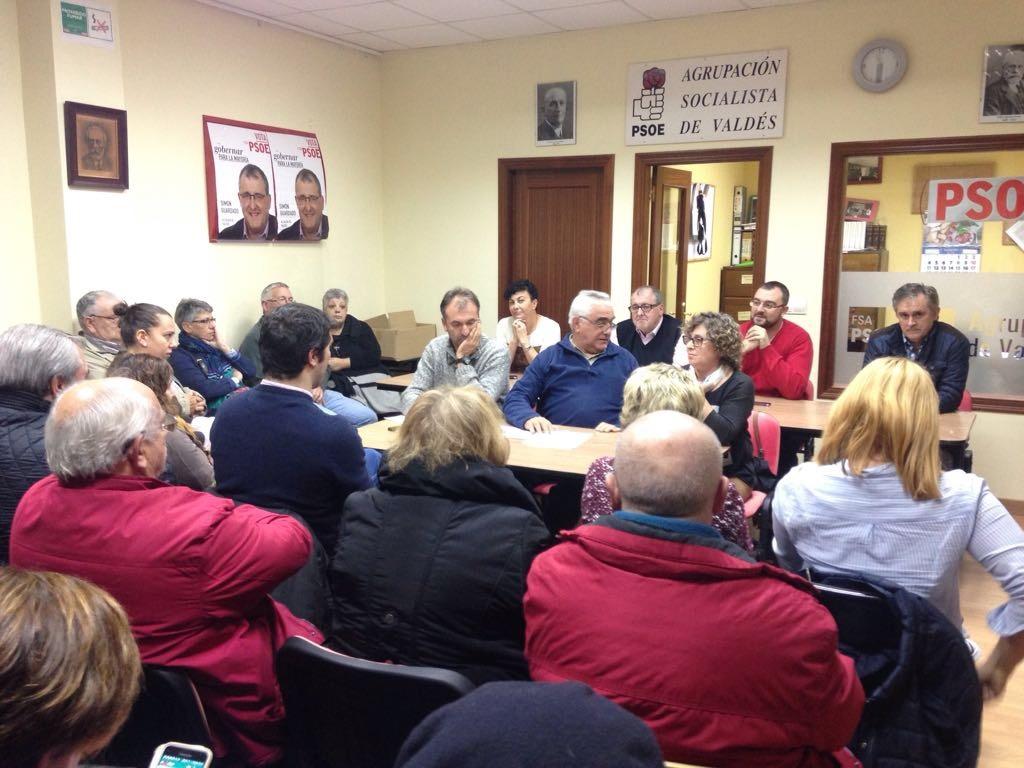 El secretario general del Psoe de Valdés considera necesario prestar más atención al medio rural